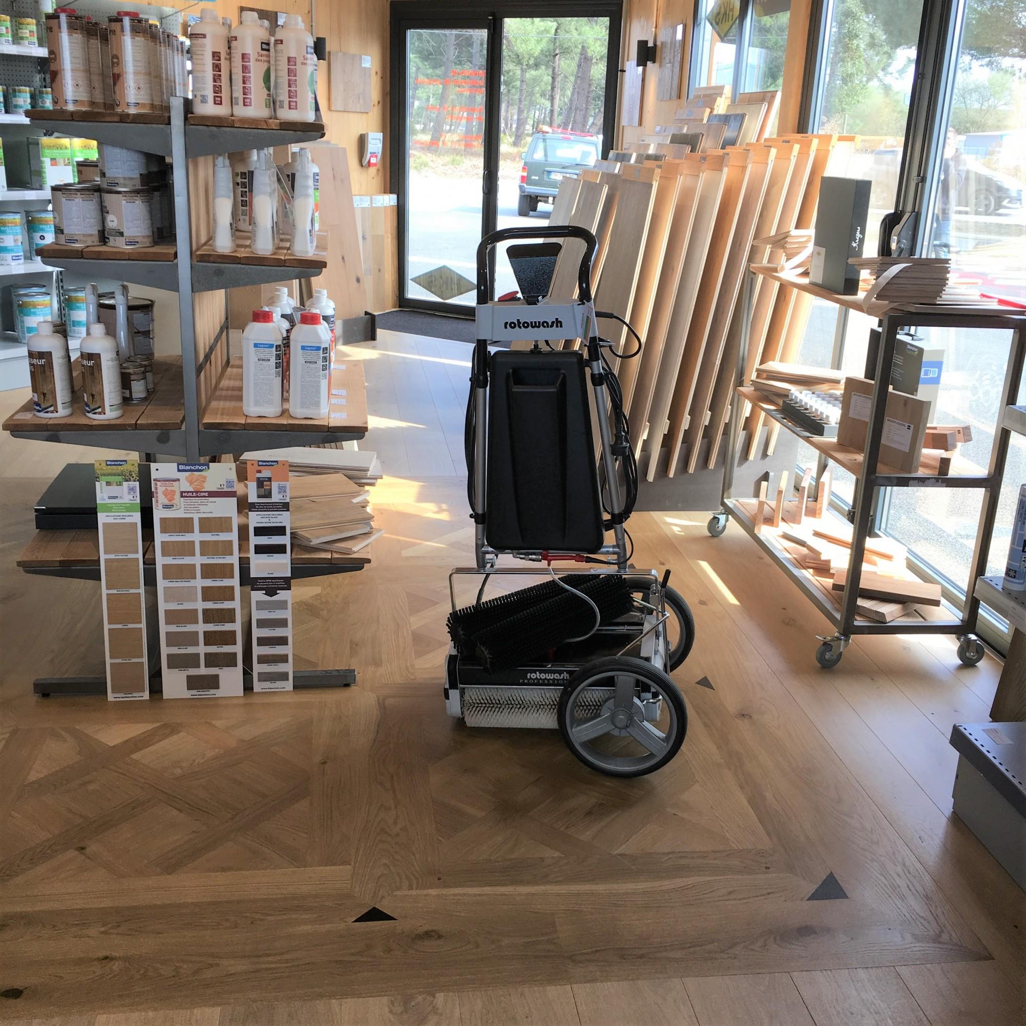 Produit Pour Nettoyer Terrasse En Bois machine de nettoyage pour terrasses et sols en bois osmo